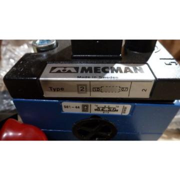 Rexroth Singapore Korea Mecman 581-442-131-2, Solenoid Valve, 110VAC *new old stock*