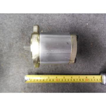 NEW Singapore Korea REXROTH GEAR PUMP # 9510-290-126