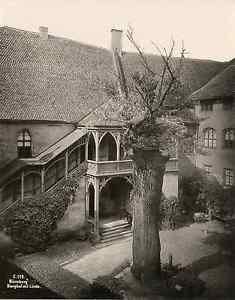 Allemagne, Nürnberg, Nuremberg, Burghof mit Linde Vintage print Photomécanique