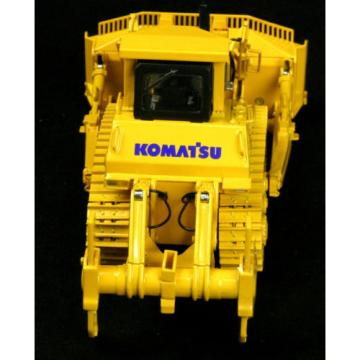 FIRST GEAR Komatsu D375A Bulldozer Crawler w/ Ripper Tractor Collector Toy 1/50