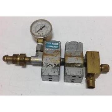 LINDE GAS REGULATOR FLOW METER R-502