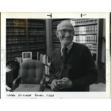 1990 Press Photo Hans A. Linde Oregon Supreme Court - ora51871