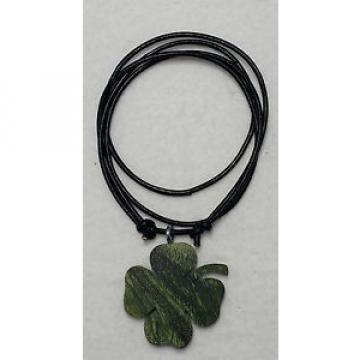Kleeblatt Grün Stabilisierte Linde Anhänger mit verstellbaren Lederband