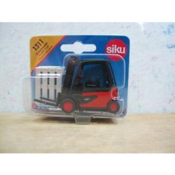 Linde Forklift truck with pallet toy car siku 1311