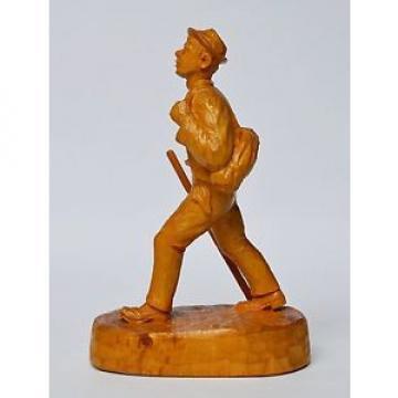 Holz Skulptur Linde handgeschnitzt Wanderer signiert Höhe 21 cm
