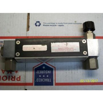 UNION CARBIDE LINDE GLASS TUBE FLOW METER  R-8M-75-1 , S-925-J-193-AAA