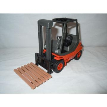 Linde Fork Lift   By Schuco/Gama  1/25th Scale