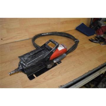 Hydraulic air operated pump Blackhawk USA with hose Body Ram power puller