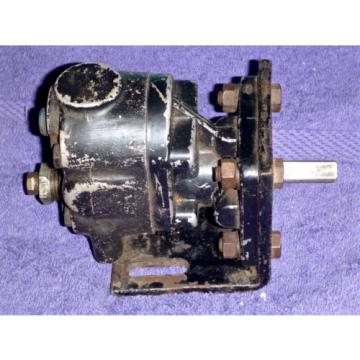 "Cessna Hydraulic Pump G20422, Intake Port: 3/8"" NPT, Outlet Port: 1/4"" NPT"