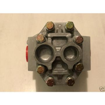 Prince Manufacturing SP25A27A9H2-L Hydraulic Gear Pump 20.74 GPM 3000 PSI