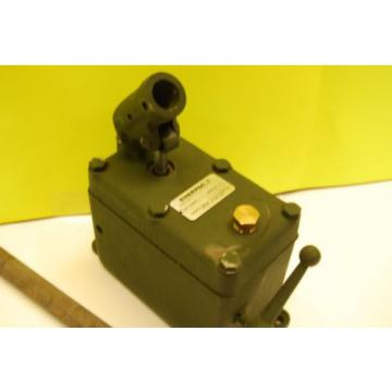 ENERPAC P-51 HYDRAULIC HAND PUMP SINGLE SPEED SET AT 6000 PSI MAX HP6001-51-112