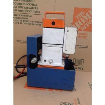 T&B Thomas & Betts 13600 Hydraulic Pump 10,000 PSI