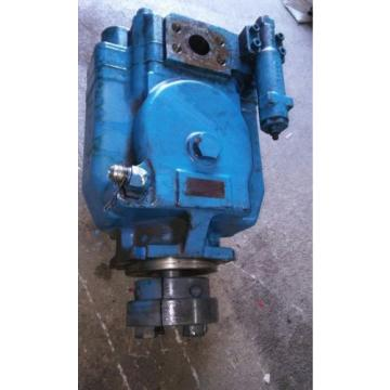 VICKERS HYDRAULIC PUMP. NO PART NUMBER.