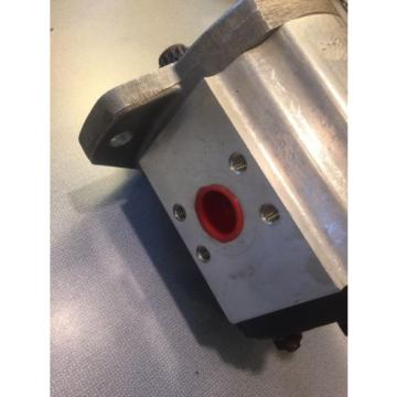 NEW ULTRA HYDRAULIC GEAR PUMP  2443 4394 MADE IN UK FORKLIFT FREE SHIPPING!!!