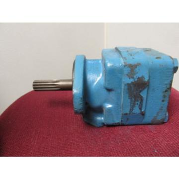 VICKERS VANE PUMP V20 1P13P 11B 11L NOS 11 spline shaft