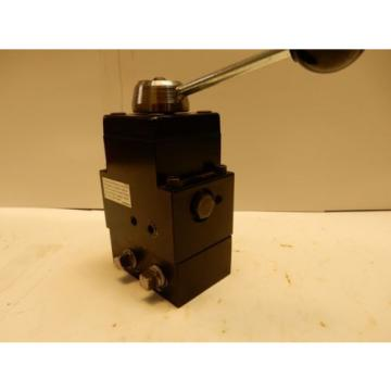 SPX POWER TEAM NO. 9508 MANUAL HYDRAULIC VALVE 4 WAY, 3 POSITION NICE