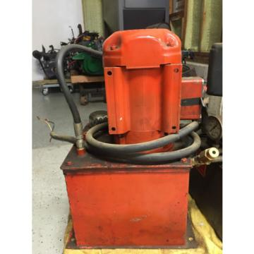 Hydraulic Pump with Reservoir & Flow Control Valve.  240V, 3 Phase