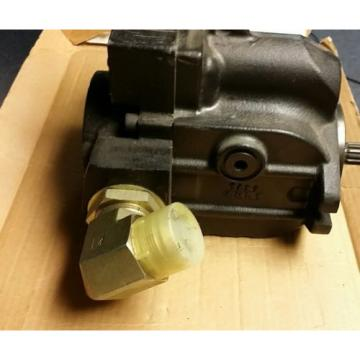New Sauer Danfoss Hydraulic Pump L38  Model #7004613S