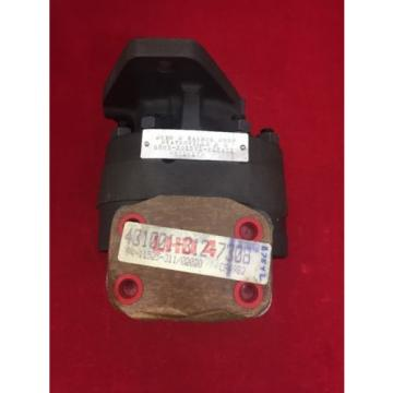 ONE NEW JOHN S. BARNES Rotary Pump Hydraulic G20W-2D15V1