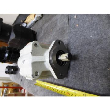 NEW PARKER COMMERCIAL HYDRAULIC PUMP 312-9310-805