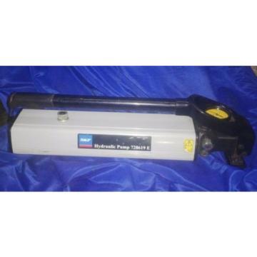 SKF Maintanance Product 728619 E Hydraulic Hand Pump 150 MPA/1500 Bar 2.4 L Tank