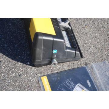 ENERPAC XA12G AIR DRIVEN HYDRAULIC FOOT PUMP 10,000 PSI W/ GAUGE 3WAY 3POSITION