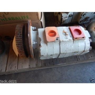 Commercial Intertech Hydraulic Gear Pump 316-9320-330 / 186204-1