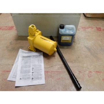 ENERPAC PL3007R HYDRAULIC HAND PUMP LOW PRESSURE HIGH FLOW 300 BAR/ 4,350PSI NEW