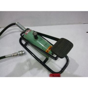 Elpress SKV 1001 Hydraulic Foot Pump {Slightly Used-See Photos} W/Hose/Coupler