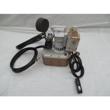 Owatonna Tool Model B Huskie Electric T & B Huskie Hytorc Hydraulic Pump