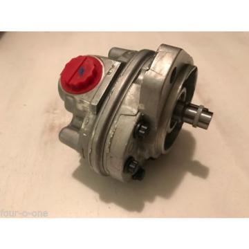 Vickers 26 Series Hydraulic Gear Pump, 3500psi Max Pressure 5.3GPM 26001-RZG