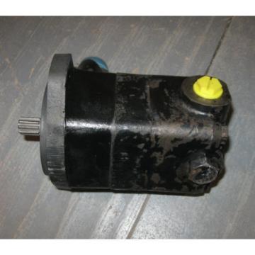Vickers V10 Series Hydraulic Vane Pump  V10F-1S7T-11B70   ( 5/8 Shaft 9 Tooth )