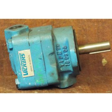 1 NEW VICKERS V210-9W-1A-12-S214 HYDRAULIC VANE PUMP NNB ***MAKE OFFER***