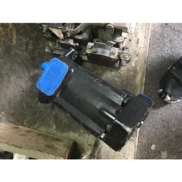 NEW Eaton Vickers 2520V14A5 1AB22R Hydraulic Pump