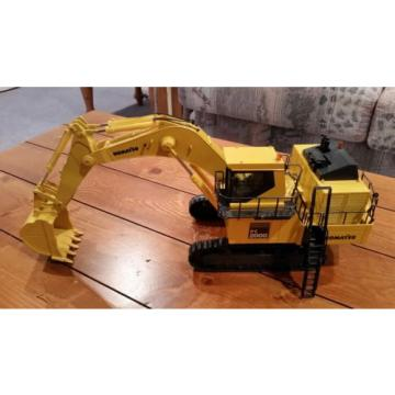 Komatsu PC 3000 & PC 2000 Mining Shovel Excavators 1/50 Scale *NEW * Lot of 2!