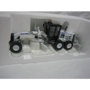 "Komatsu GD 655 motor Grader, 1:50 scale by First Gear ""white"""